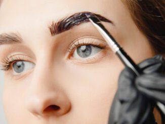 Augenbrauen färben Tipps