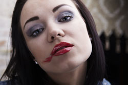 Ein häufiger Patzer: verschmierter Lippenstift