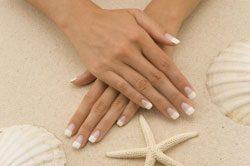 Schöne gepflegte Fingernägel haben ein tolles Erscheinungsbild