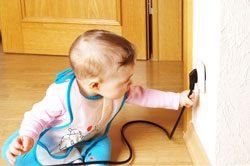Sie sollten einige Sicherheitsvorkehrungen für eine kindersichere Wohnung treffen