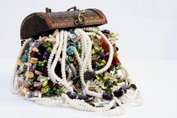 Ketten in allen Farben und Formen gehören zu den beliebtesten Accessoires