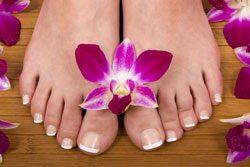 Um schöne Füße zu bekommen, benötigen diese eine gewisse Pflege