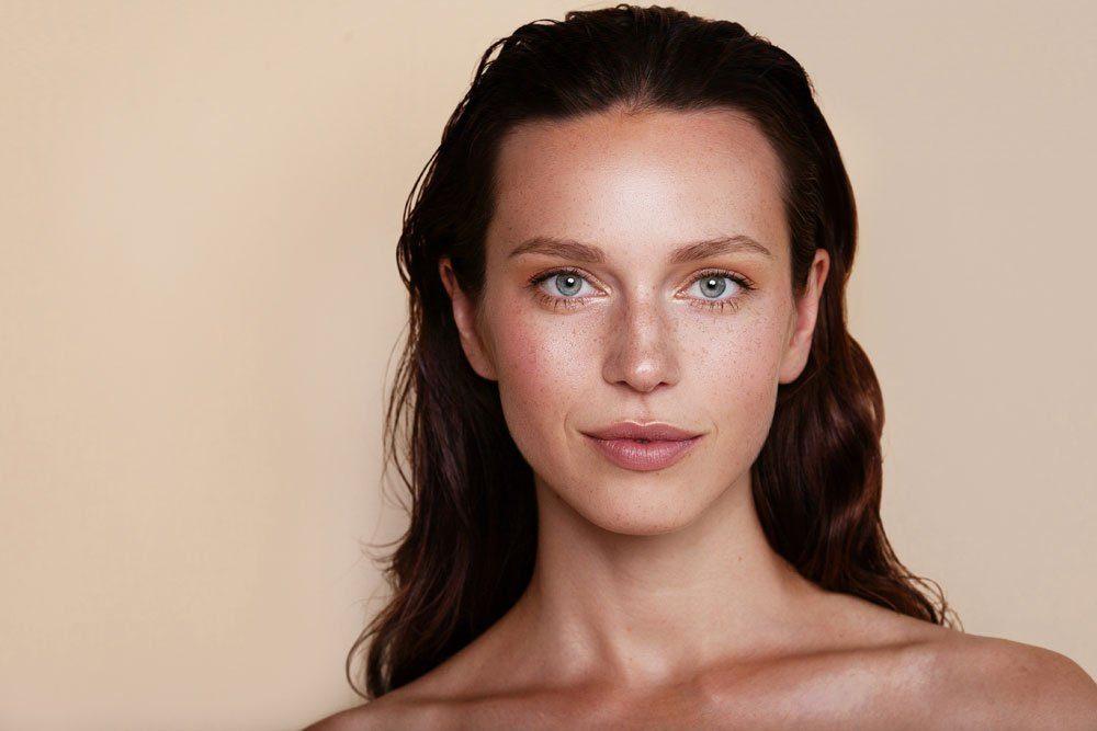 nude-look make-up beige rosé