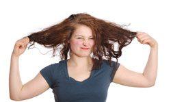 Strapazierte Haare benötigen eine besondere Pflege