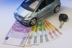 Auch ohne Wechsel der Kfz-Versicherung können Sie Geld sparen