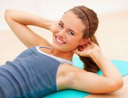 Fitnessübungen für zuhause – Bauch, Beine, Po trainieren