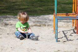Alleine spielen ist gut für das kindliche Selbstbewusstsein