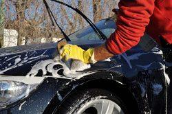 Waschen Sie Ihr Auto gründlich, bevor Sie anfangen zu Polieren
