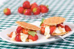 Erdbeeren marinieren und zu Mascarpone-Creme genießen