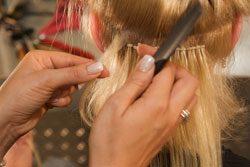 Dank Extensions können Sie lange und fülligere Haare haben