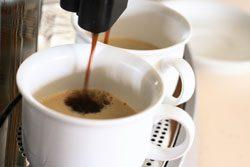 Für dauerhaft guten Kaffee muss die Maschine regelmäßig entkalkt werden