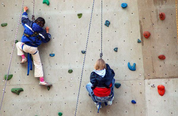 Die Sicherheit in Kletterhallen sollte oberste Priorität haben