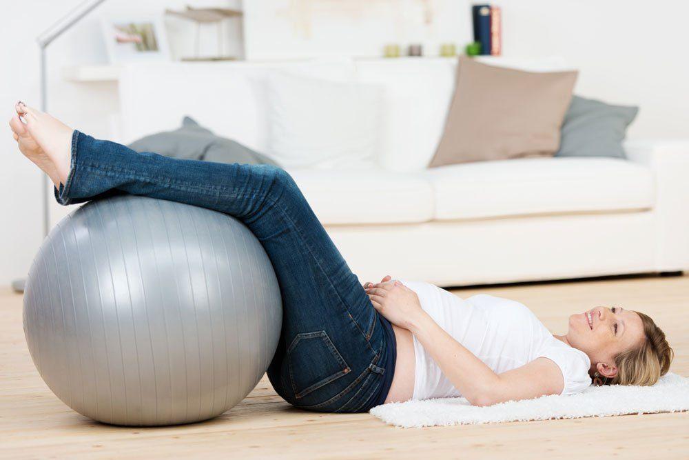 wassereinöagerung schwangerschaft tipps beine hochlegen