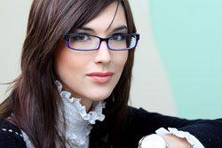 11 Schminktipps für Brillenträger - Optisch schöne Augen trotz Brille