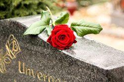 Was ist im Todesfall zu tun? Keine wichtigen Sachen vergessen!