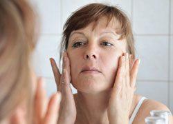 Unreine Haut mit 30 - 7 Tipps für die richtige Pflege
