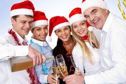 Weihnachtsspiele lockern die Stimmung auf