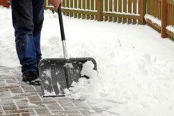 Schieben Sie den Schnee nicht auf die Straße