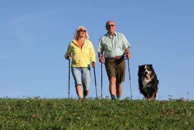 Nordic Walking ist eine gute Sportart für Senioren