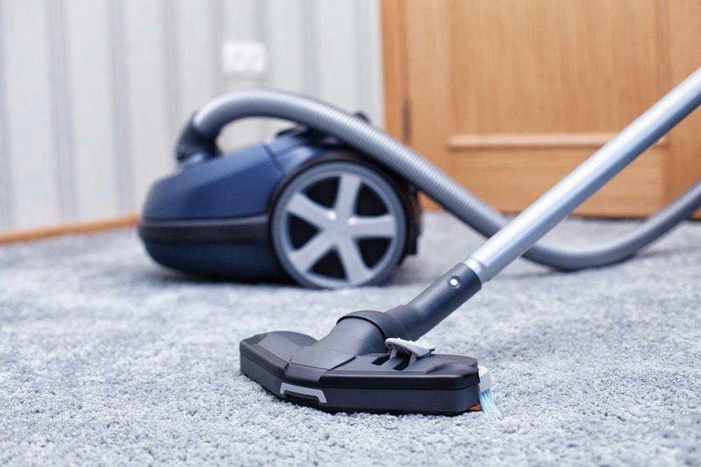 teppich reinigen saugen