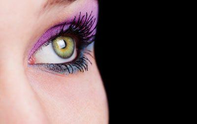 Mauve-Töne passen zu grünen Augen