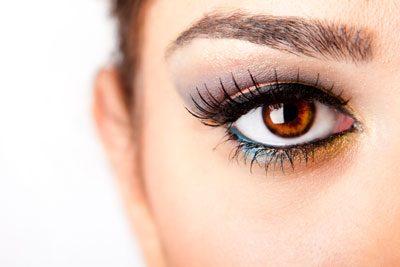 Bei hellbraunen Augen wirken eigentlich alle Farben