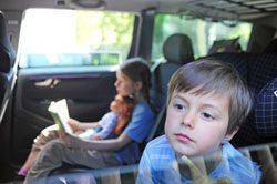 Ihr Kind sollte am besten aus dem Fenster sehen