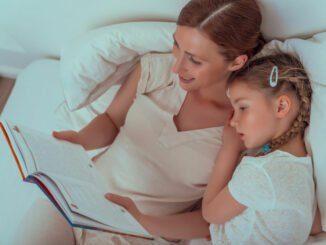 Kinder vorlesen lesen abends