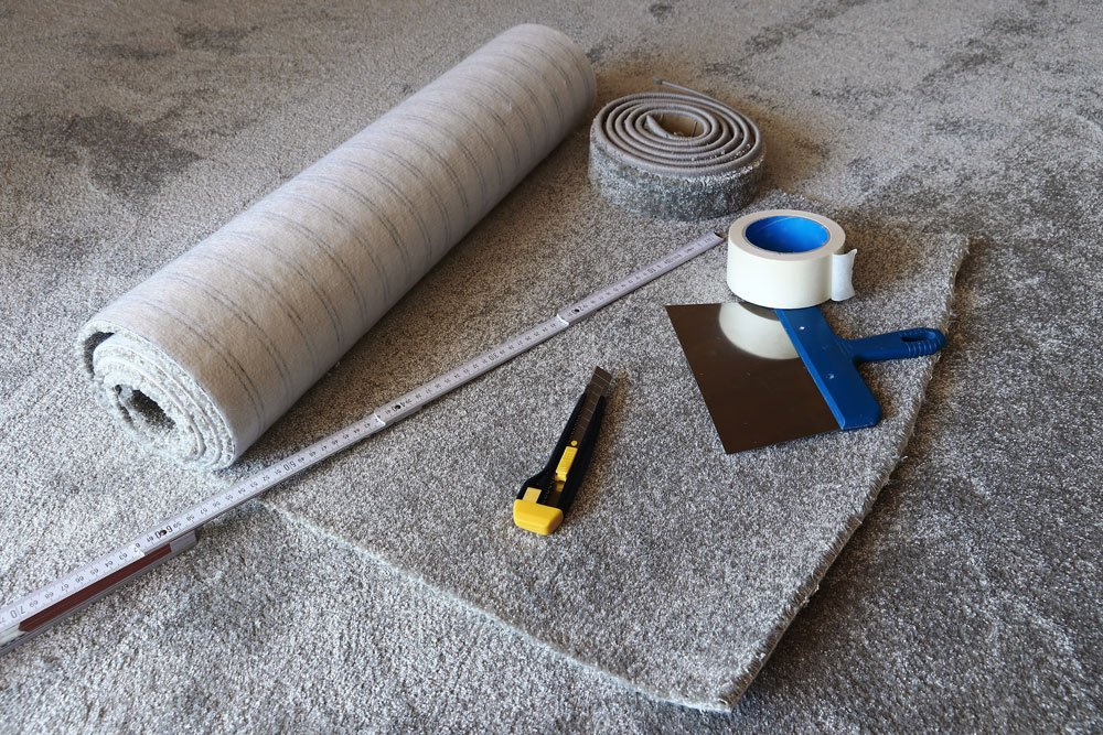teppich verlegen tipps anleitung werkzeug