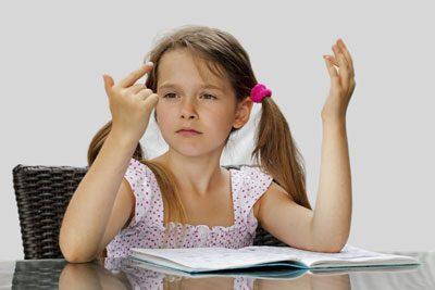 Ihr Kind sollte Aufgaben erst einmal alleine versuchen zu lösen
