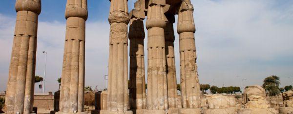 Säulengang im Luxor Tempel