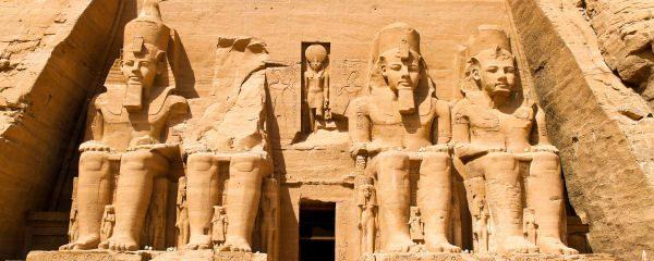 Imposantes Bauwerk - Der Tempel von Abu Simbel