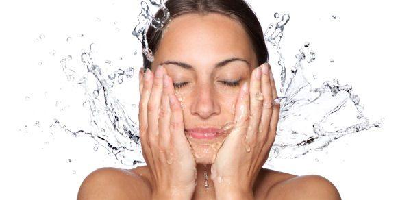 Thermalwasserspray: So erfrischend und nützlich kann Wasserspray sein