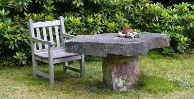 Selbst Gartenmöbel können Sie aus Stein herstellen