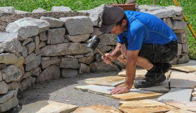 Wichtig: planen Sie beim Terrassenbau ein Gefälle ein