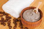 Peeling aus Kaffeesatz herstellen