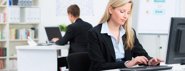 Büromode für Damen - Was ist erlaubt, was tabu?