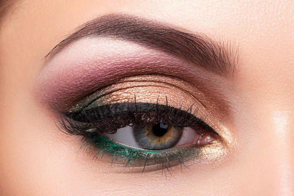 make-up trends lidschatten glow metallic