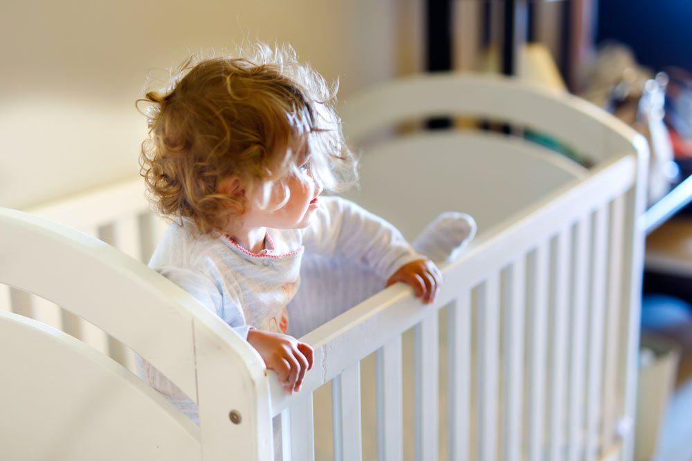 Babybett Sicherheit Kinderzimmer