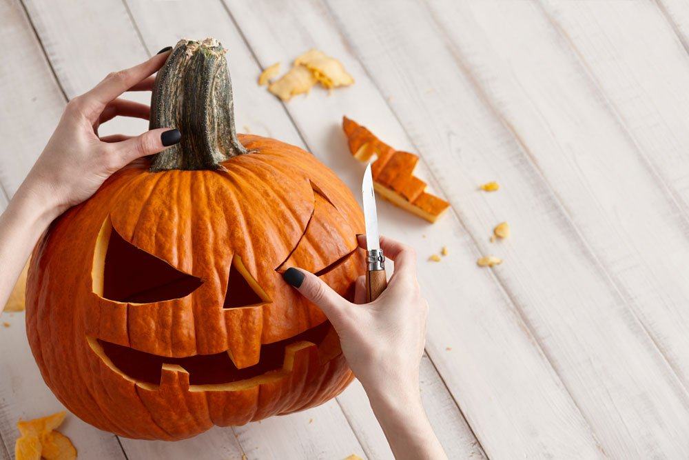Hallowenn Kürbis Gesicht basteln schnitzen kreativ Ideen