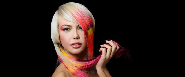 Haare färben mit Haarkreide – Anleitung für bunte Haarsträhnen