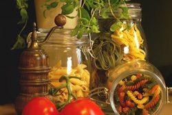 Küche dekorieren - Nudeln im Glas