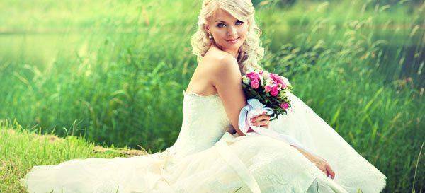 Passendes Brautkleid finden – Der Typ bestimmt die Form