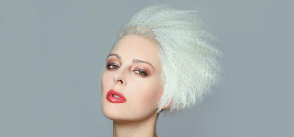 Haare kreppen mit Kreppeisen – So wird's gemacht