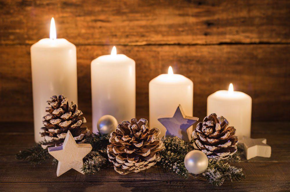 Advenstkranz Adventsgesteck schlicht Reihe
