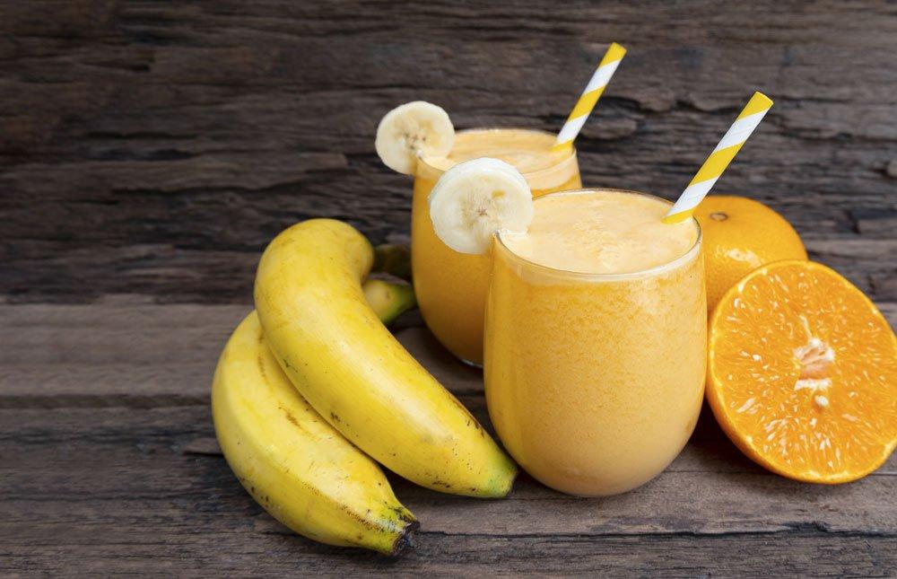Gesundes Orange-Banane-Joghurt-Getränk.