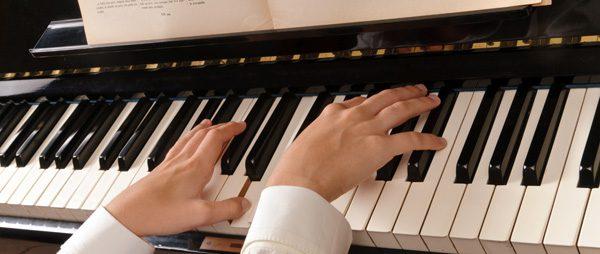 Klavierpflege: 3 Werterhaltende Tipps für lange schönen Klang