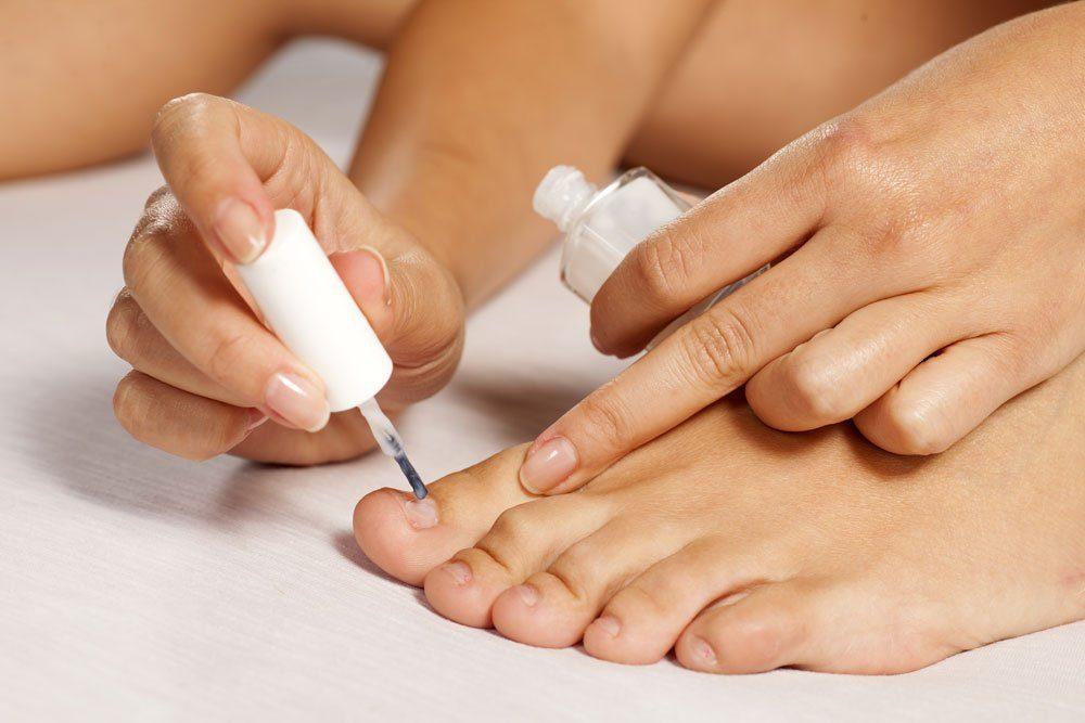nägel füße unterlack nagellack