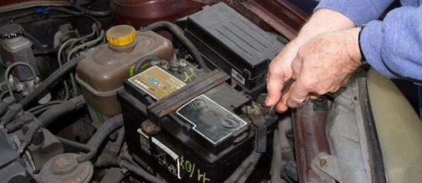 Autobatterie wechseln – Schritt für Schritt Anleitung