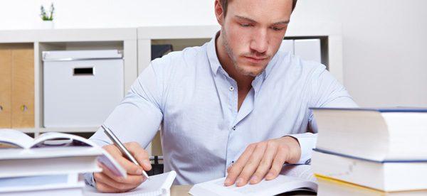 Erfolgreich die Bachelorarbeit schreiben – Tipps für Prokrastinationsgefährdete
